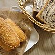 くるみ入りチョコマーブル食パンとカレーパン
